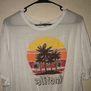 California tied t-shirt